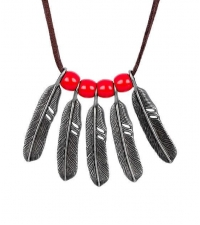 Necklace Feathers with red beads